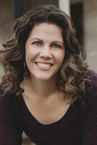Melissa center 200x300 - Melissa Bates
